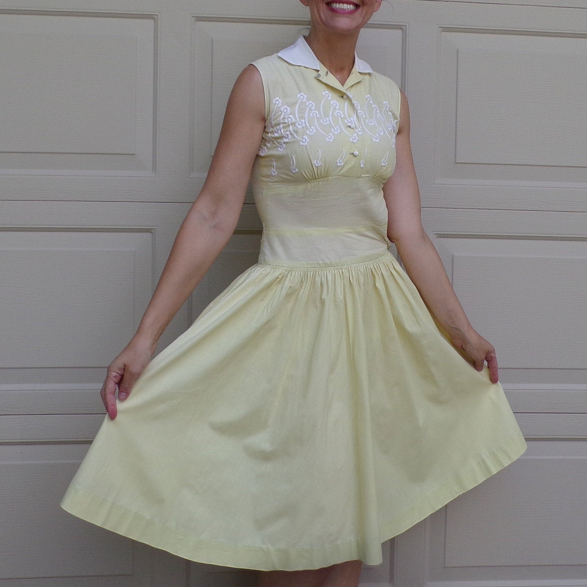YELLOW COTTON DRESS embroidered bust summer xs xxs