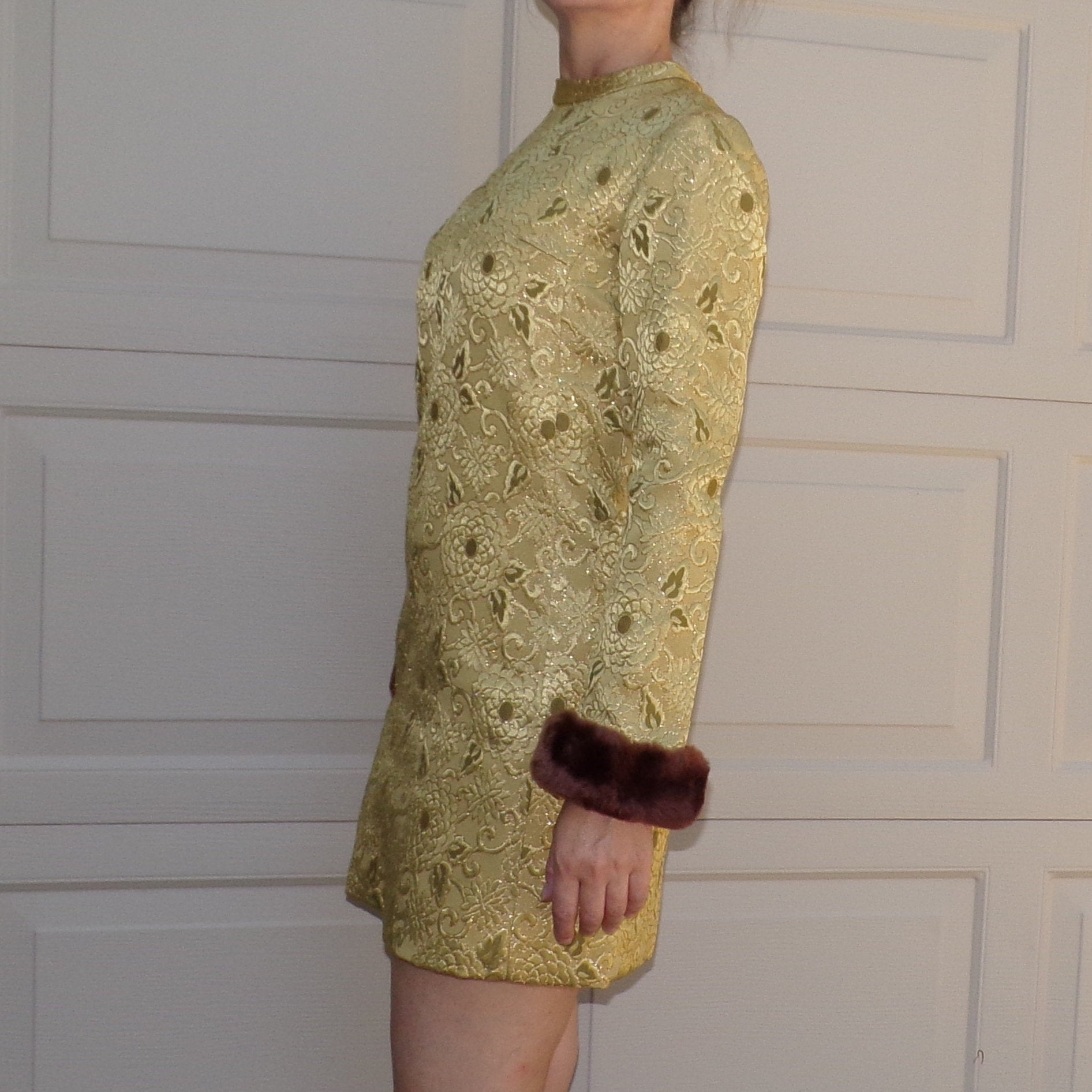reserved *** GREEN GOLD mini shift DRESS with faux-fur cuffs xs S