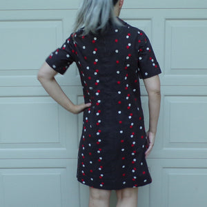 EMBROIDERED 1960's SHIFT DRESS 60's S (D5)
