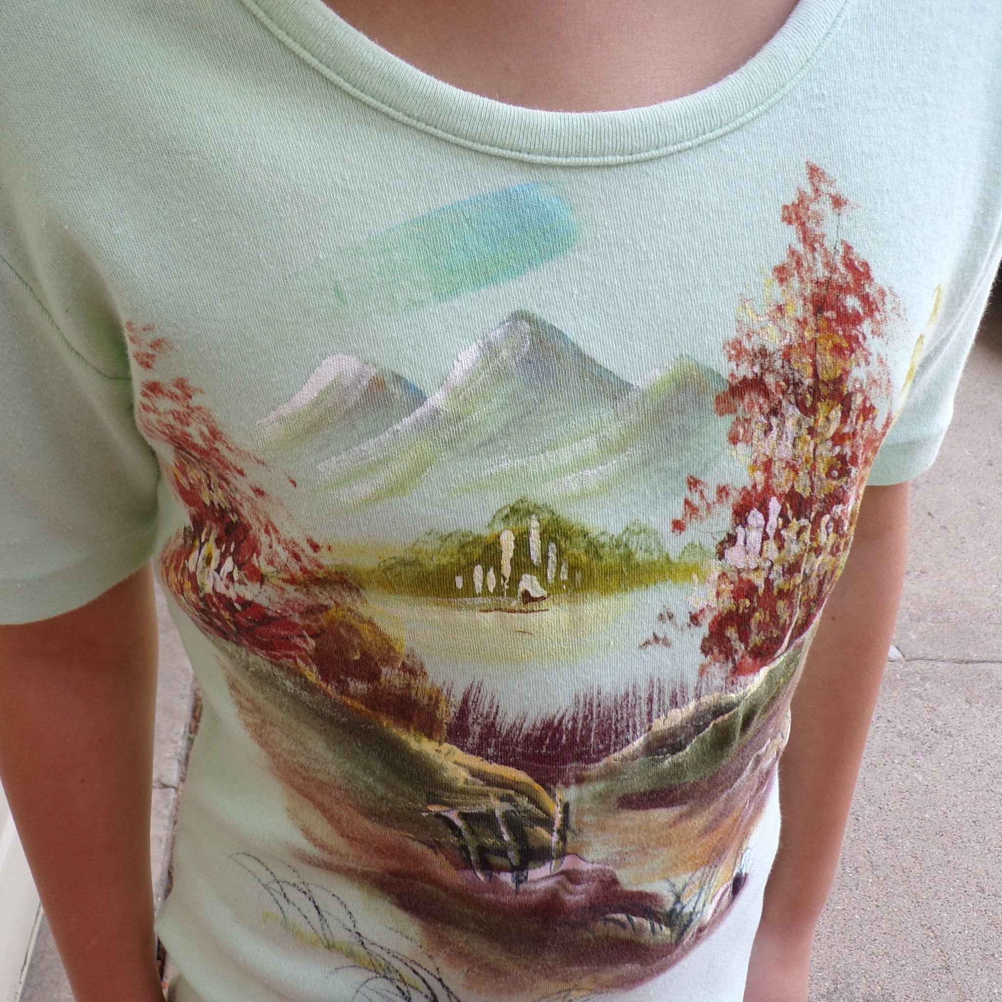 1970's HAND PAINTED TEE shirt 70's xs or children's L