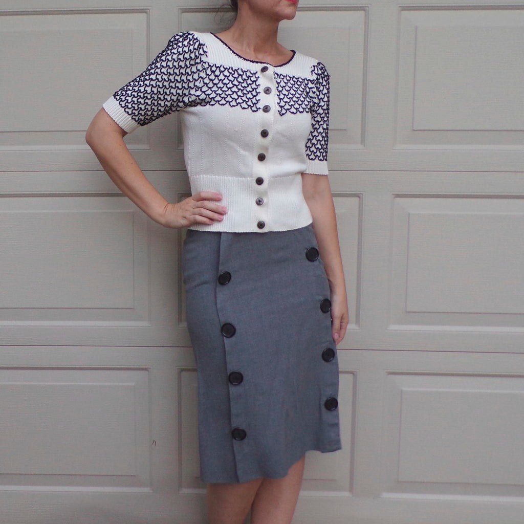 1940's GRAY MIDI SKIRT with double row of buttons 40's xxs 23 waist (H7)