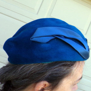PEACOCK BLUE BERET style wool hat 1950s 1960s