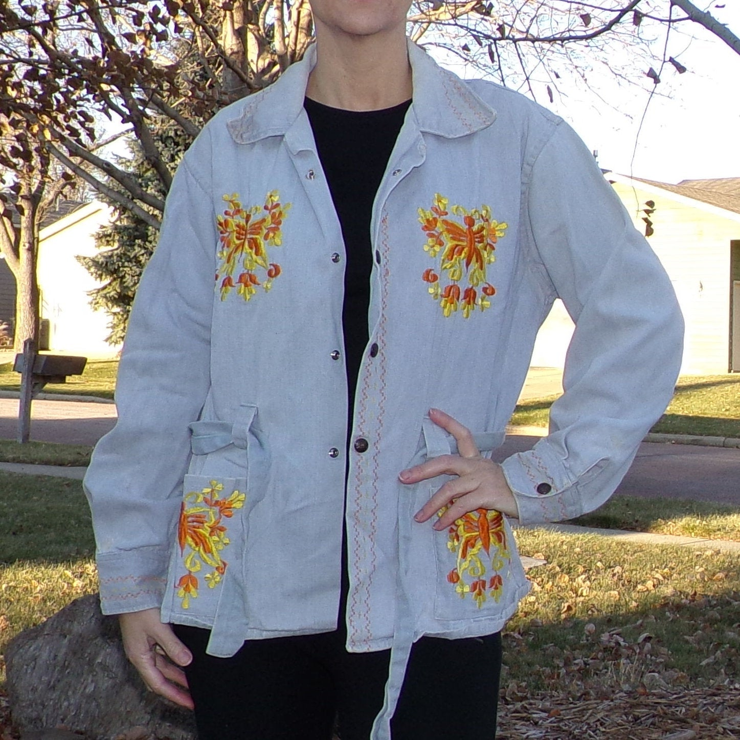 LIGHT WASH DENIM jacket mexican butterfly embroidery 1970's 70's M (D10)