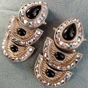 RETICULATED DOORKNOCKER EARRINGS 1960s metal and rhinestone