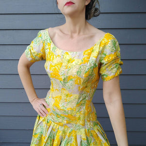 1950s SUZY PERETTE yellow silk DRESS floral 50s S (G4)