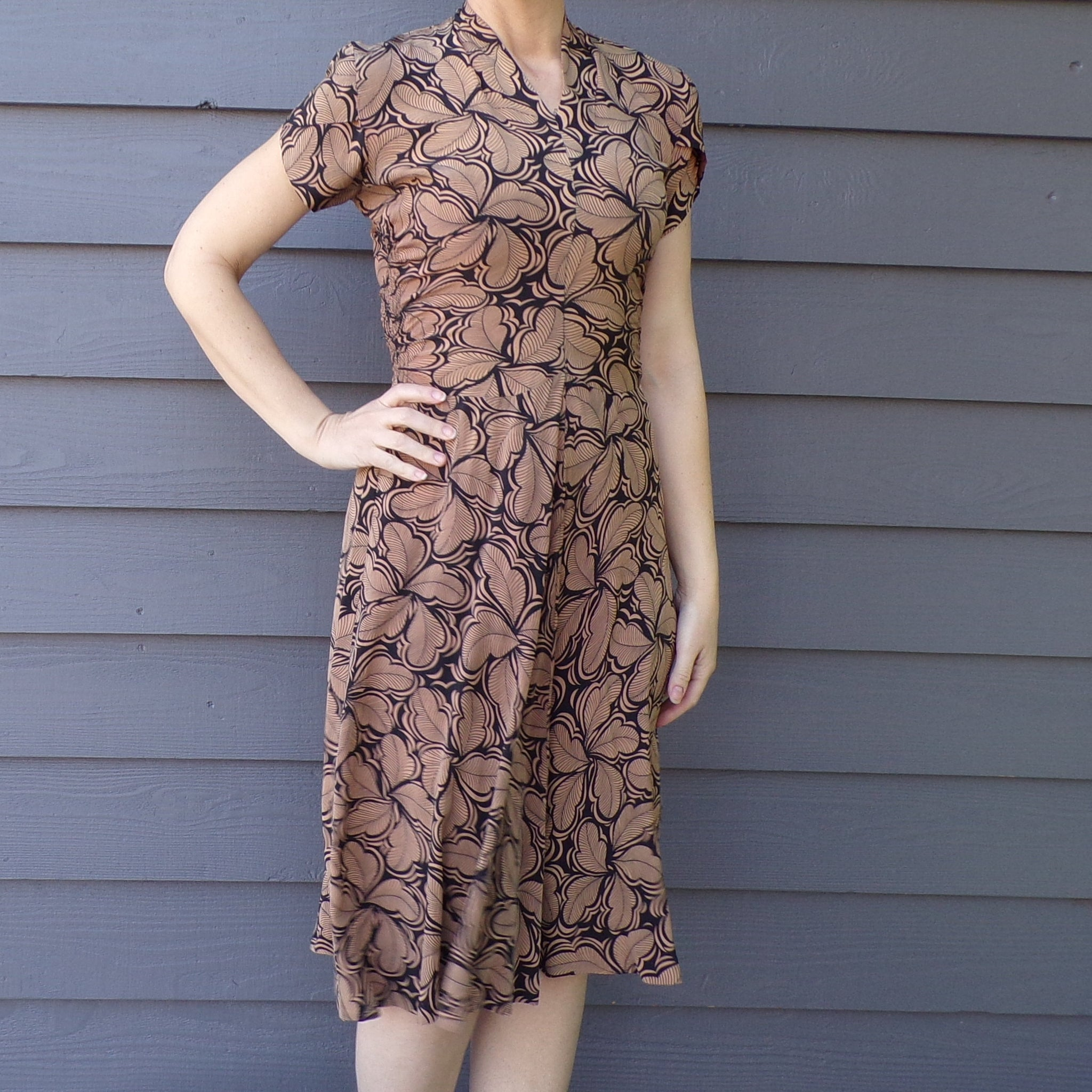 1940's LESLIE FAY DRESS 40's rayon or silk deco print xs