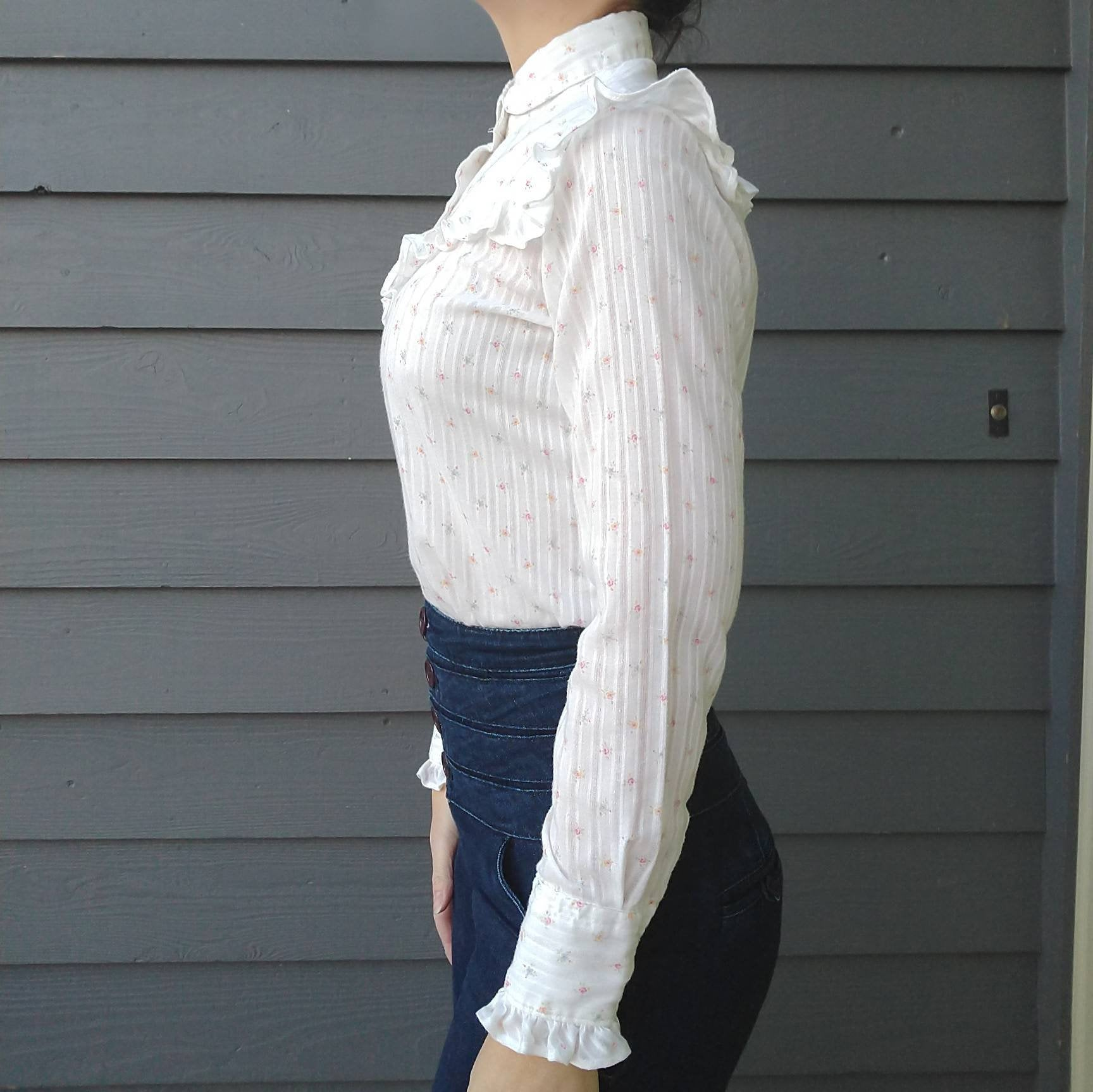 1970s 1980s WESTERN RUFFLED CALICO snap front blouse S (H7)
