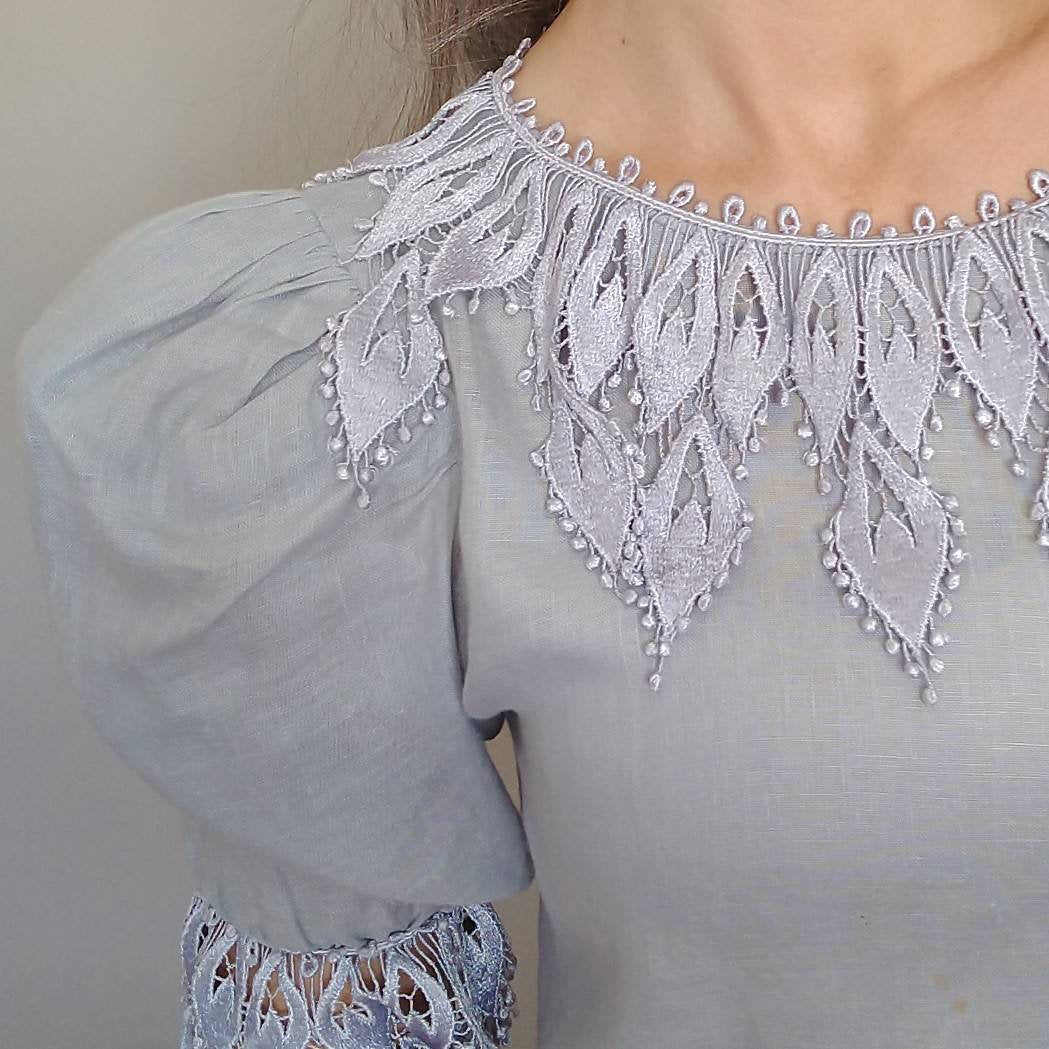 1980s GRAY LINEN BLOUSE lace trim 80s S (K10)