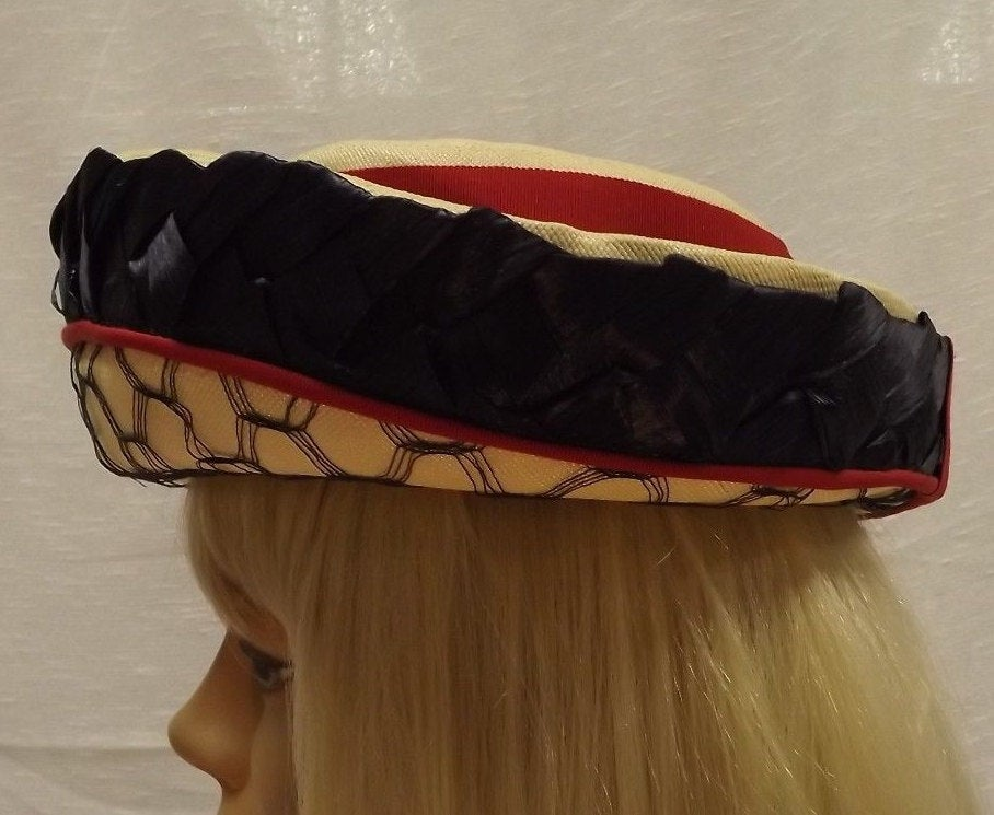 vintage 1960's RED CREAM BLUE cathay california straw hat