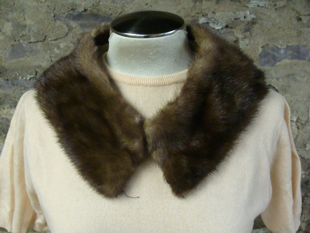 1950's 1960's GENUINE FUR COLLAR glam