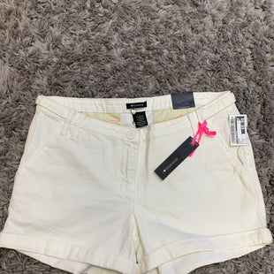 Primary Photo - BRAND: I LOVE RONSON STYLE: SHORTS COLOR: WHITE SIZE: 8 SKU: 242-24213-127849