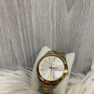 "Primary Photo - BRAND: MICHAEL KORS STYLE: WATCH COLOR: MULTI SKU: 242-24264-40556SIZE IS ABOUT 7.5"" IN DIAMETER LIGHT SCRATCHING ON THE BAND AS SEEN IN PICTURES"