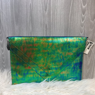Primary Photo - BRAND:    CLOTHES MENTOR STYLE: CLUTCH COLOR: BLUE GREEN OTHER INFO: IRIDESCENT CLUTCH - SKU: 242-24213-12655713 BY 8.5