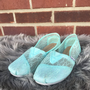 Primary Photo - BRAND: TOMS STYLE: SHOES FLATS COLOR: MINT SIZE: 7.5 OTHER INFO: *WIDE SKU: 242-24284-4941