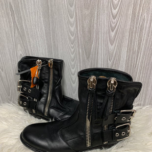 Primary Photo - BRAND: GUISEPPE ZANNOTI DESIGNS STYLE: BOOTS DESIGNER COLOR: BLACK SIZE: 10.5 SKU: 242-24213-104945SIZE 40 1/2