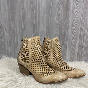 Primary Photo - BRAND: COCONUTS STYLE: BOOTS ANKLE COLOR: BEIGE SIZE: 8 SKU: 242-24235-17876