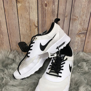 Primary Photo - BRAND: NIKE STYLE: SHOES ATHLETIC COLOR: WHITE SIZE: 7.5 SKU: 242-24235-15664