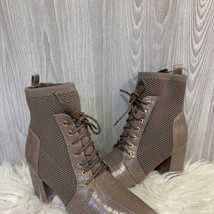 Primary Photo - BRAND:    OLIVIA & KATESTYLE: BOOTS ANKLE COLOR: TAUPE SIZE: 6 OTHER INFO: OLIVIA & KATE - SKU: 242-24264-43052