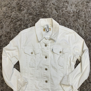 Primary Photo - BRAND: LEVIS STYLE: JACKET OUTDOOR COLOR: WHITE SIZE: M SKU: 242-24213-127583