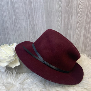 Primary Photo - BRAND: BANANA REPUBLIC STYLE: HAT COLOR: BURGUNDY SKU: 242-24213-128095