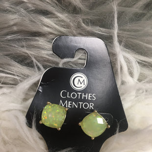 Primary Photo - BRAND:    CLOTHES MENTOR STYLE: EARRINGS COLOR: GREEN SKU: 242-24213-121735