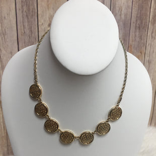 Primary Photo - BRAND:    CLOTHES MENTOR STYLE: NECKLACE COLOR: GOLD SKU: 242-24264-39148