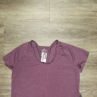 Primary Photo - BRAND: NIKE STYLE: ATHLETIC TOP SHORT SLEEVE COLOR: PURPLE SIZE: M SKU: 242-24212-18000