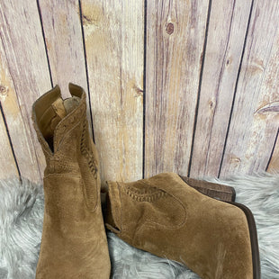 Primary Photo - BRAND: VINCE CAMUTO STYLE: BOOTS ANKLE COLOR: CARAMEL SIZE: 9 OTHER INFO: AS IS SKU: 242-24264-38925