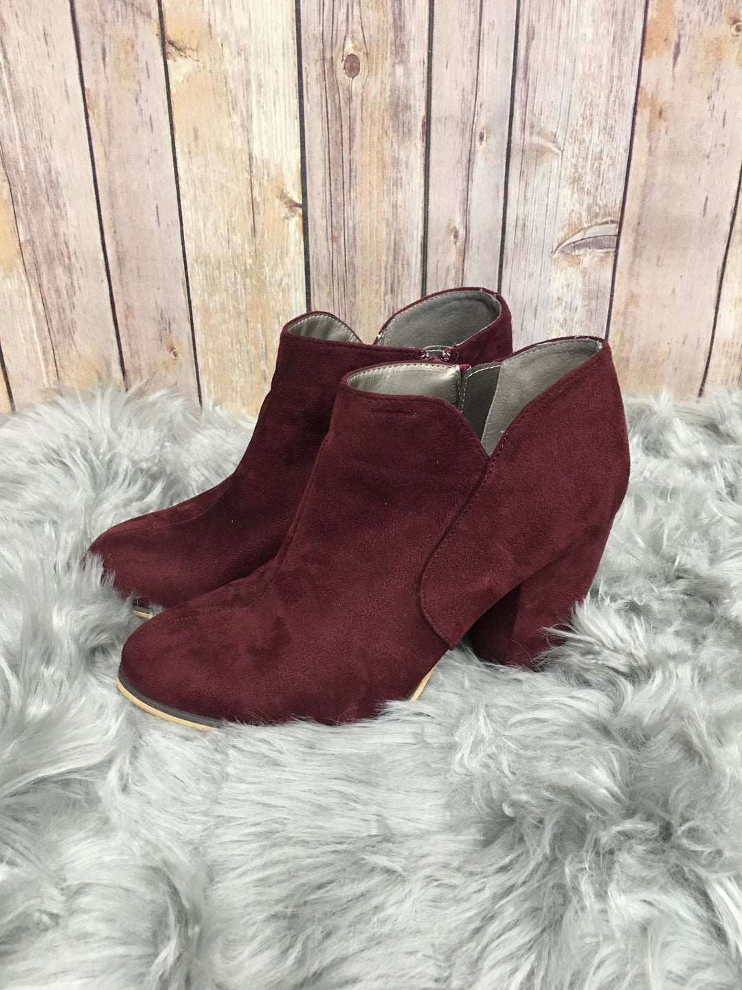 Photo #1 - BRAND: MICHAEL ANTONIO <BR>STYLE: BOOTS ANKLE <BR>COLOR: MAROON <BR>SIZE: 7.5 <BR>SKU: 242-24264-36851