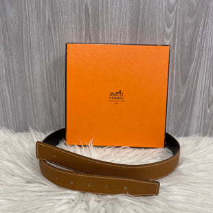 Primary Photo - BRAND: HERMES STYLE: ACCESSORY TAG COLOR: TAN OTHER INFO: BELT STRAP SKU: 242-24213-123993REVERSIBLE BELT STRAPSIZE:SMALL
