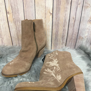 Primary Photo - BRAND: LUCKY BRAND STYLE: BOOTS ANKLE COLOR: TAUPE SIZE: 6 SKU: 242-24264-38085
