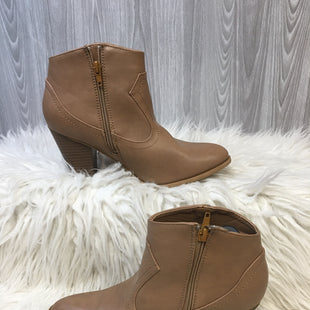Primary Photo - BRAND: BAMBOO STYLE: BOOTS ANKLE COLOR: TAN SIZE: 9 SKU: 242-24213-125973