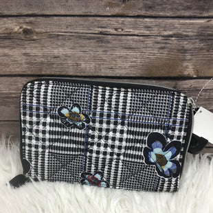 Primary Photo - BRAND: VERA BRADLEY STYLE: CLUTCH COLOR: BLACK WHITE SKU: 242-24290-26245