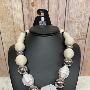 Primary Photo - BRAND: ANN TAYLOR STYLE: NECKLACE COLOR: SILVER SKU: 242-24213-120237