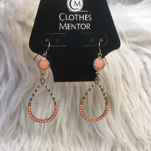 Primary Photo - BRAND:    CLOTHES MENTOR STYLE: EARRINGS COLOR: ORANGE SKU: 242-24264-44431