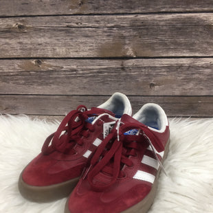 Primary Photo - BRAND: ADIDAS STYLE: SHOES ATHLETIC COLOR: BURGUNDY SIZE: 5.5 SKU: 242-24290-25400