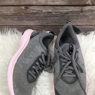 Primary Photo - BRAND: NIKE STYLE: SHOES ATHLETIC COLOR: GREY SIZE: 8 SKU: 242-24290-25948