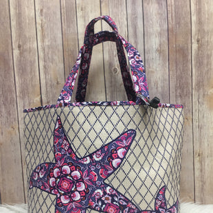 Primary Photo - BRAND: VERA BRADLEY CLASSIC STYLE: TOTE COLOR: MULTI SIZE: MEDIUM SKU: 242-24268-12743THE BOTTOM UNZIPS FOR THE MESHING. MEASURES 14 BY 20