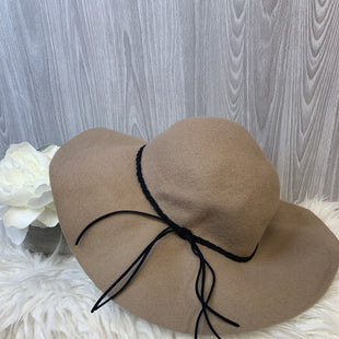 Primary Photo - BRAND:    CLOTHES MENTOR STYLE: HAT COLOR: TAN OTHER INFO: TAN SUNHAT - SKU: 242-24213-128094