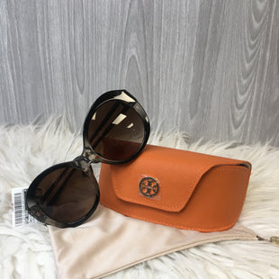 Primary Photo - BRAND: TORY BURCH STYLE: SUNGLASSES COLOR: BLACK SKU: 242-24213-125919
