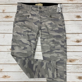 Primary Photo - BRAND: DEMOCRACY STYLE: JEANS COLOR: CAMOFLAUGE SIZE: 10 SKU: 242-24284-6603