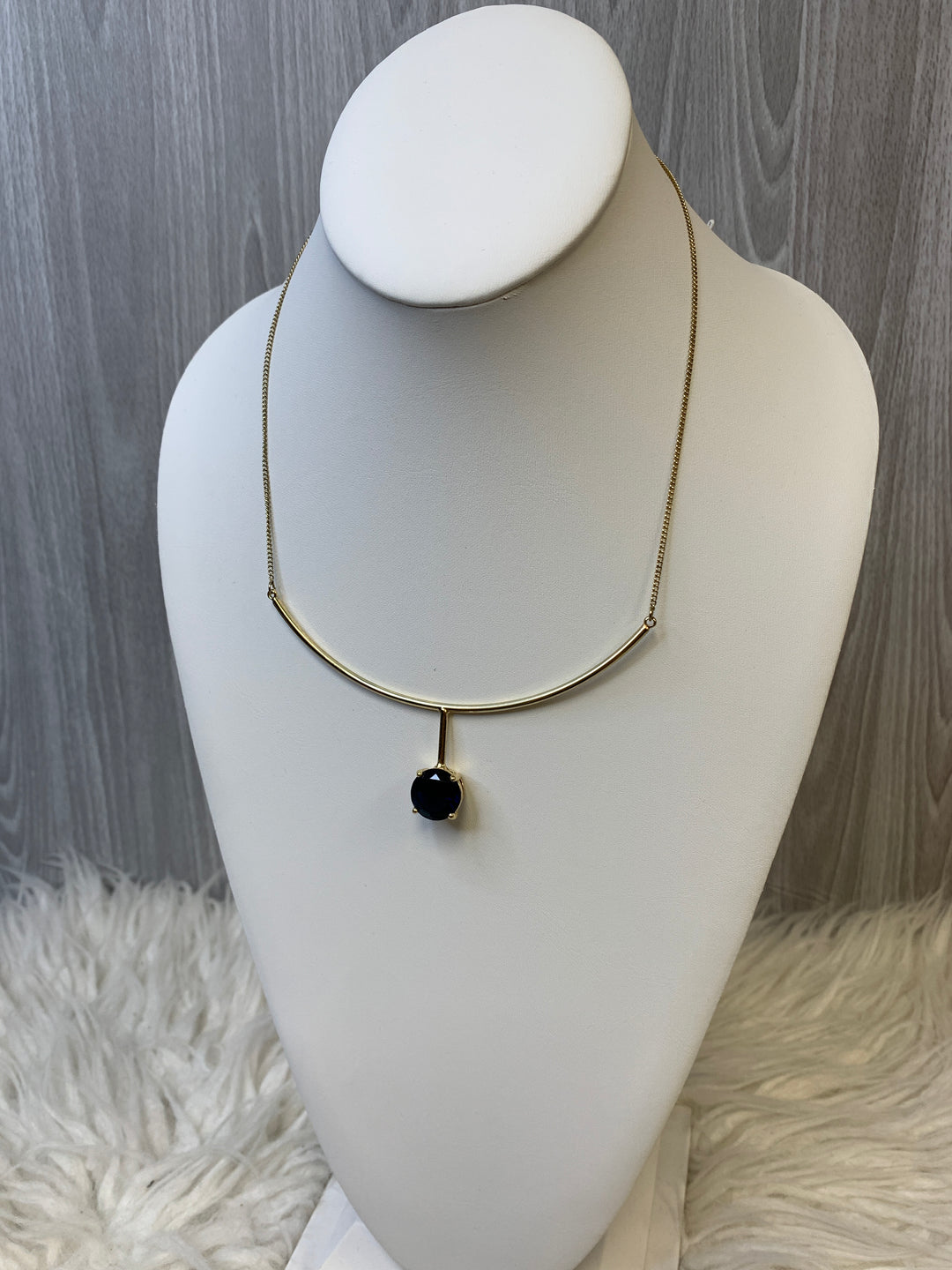 Primary Photo - BRAND:    CLOTHES MENTOR <BR>STYLE: NECKLACE <BR>COLOR: GOLD <BR>OTHER INFO: DARK BLUE DIAMOND <BR>SKU: 242-24235-19045