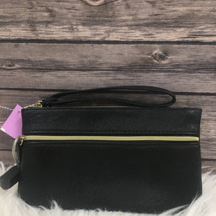Primary Photo - BRAND:    CLOTHES MENTOR STYLE: WRISTLET COLOR: BLACK OTHER INFO: BLACK WRISTLET - SKU: 242-24213-107711