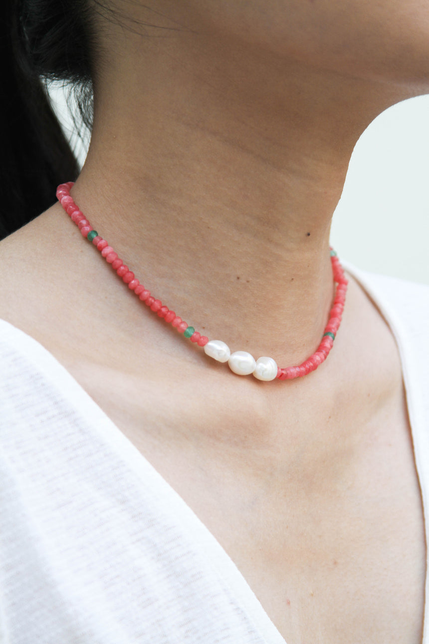 Asymmetric Baby Baroque Pearl Necklace in Salmon