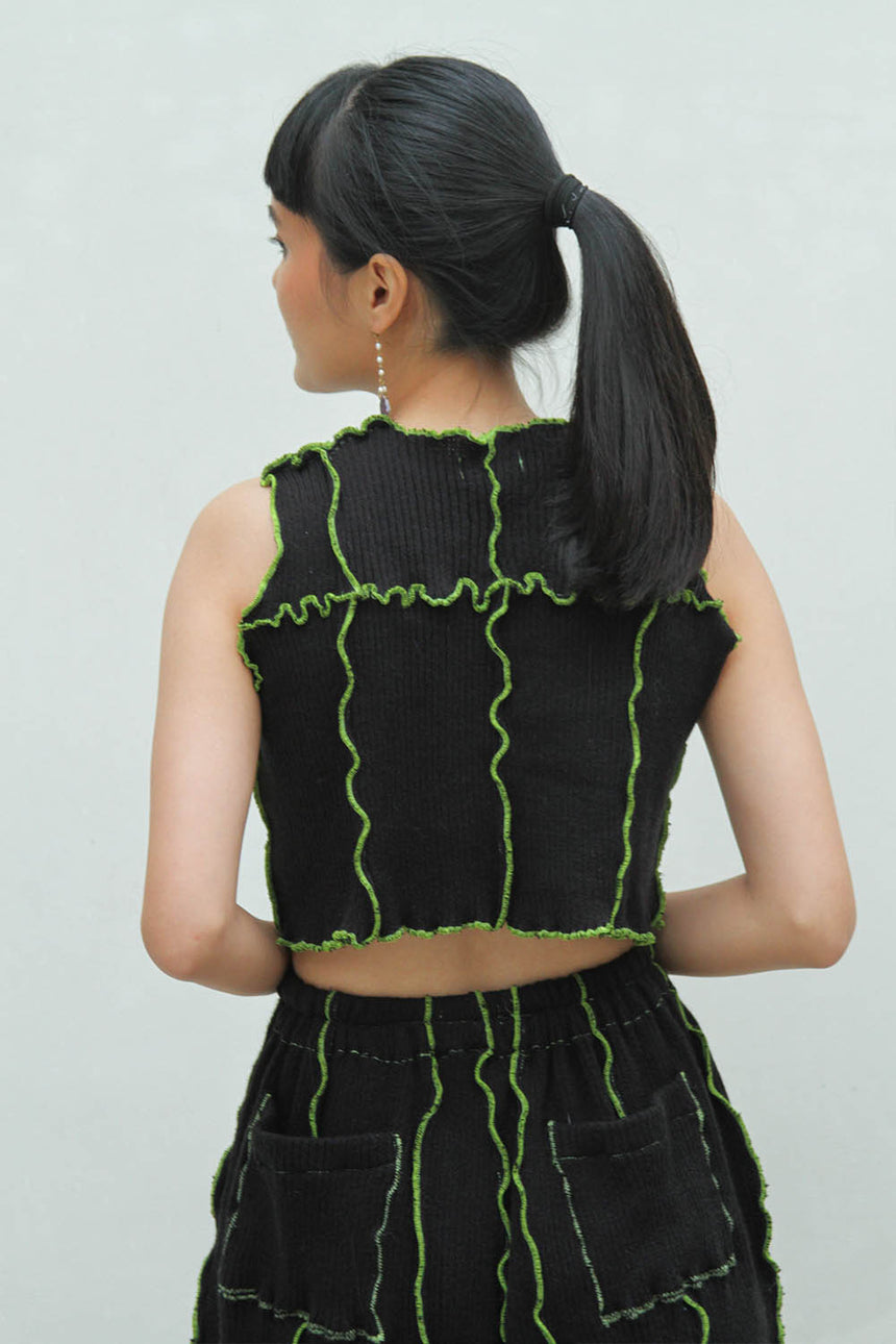 Laveste Sleeveless Top in Black / Green