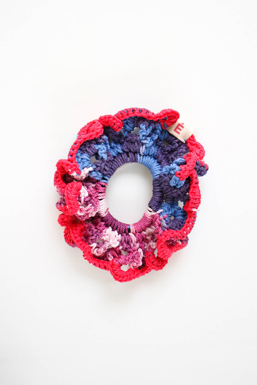 Le Scrunchie in Radish Anemone