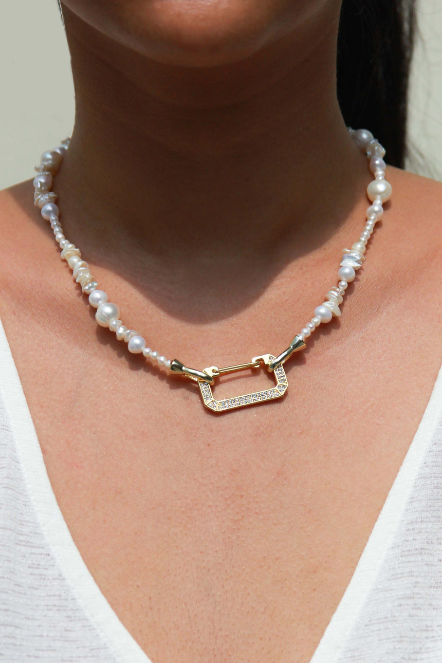 Libby Necklace with White Screw Clasp