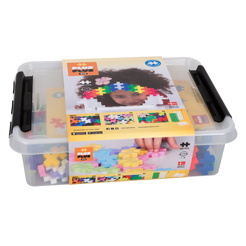 BIG 200 pc Tub w/ 2 baseplates
