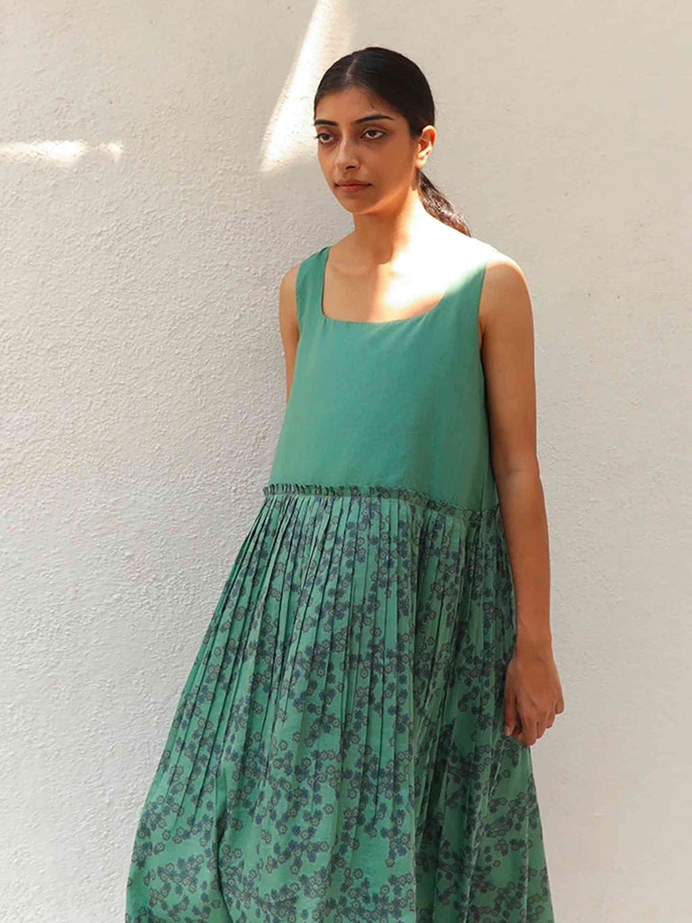 Silk & Cotton Green Midi Dress Rise