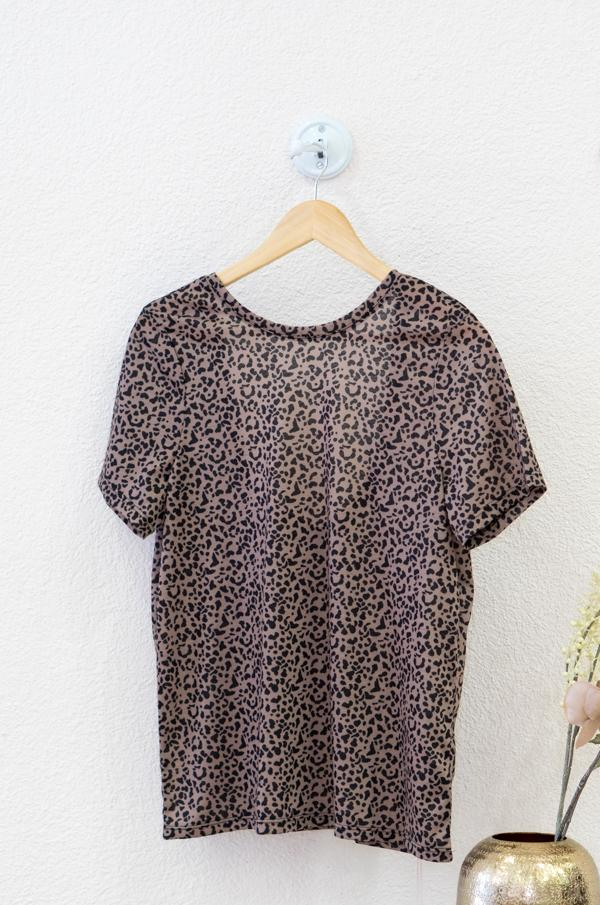 Load the image in the gallery,Deep Black Leo Print Tee